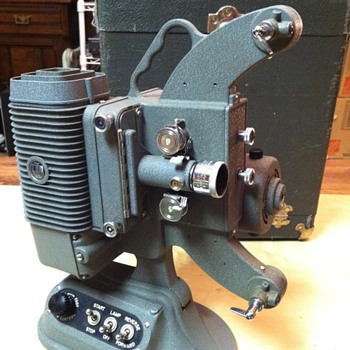 Dejur 750 (c 1956) 8mm Projector - Cameras