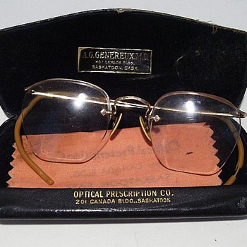 Old Eye Glasses with Case (Glasses---Gold Filled)