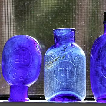 ~~~~Cobalt Blue Pill Bottles~~~~