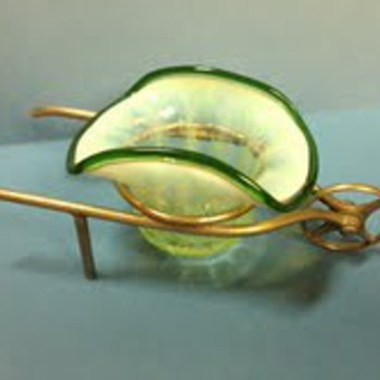 Wheelbarrow with salt - Art Glass
