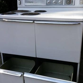 vintage crown gas stove