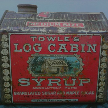 Towle&#039;s Log Cabin Syrup Tin Copyrighted 1914 - Advertising