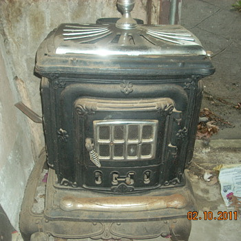 old wood burning stove - Kitchen