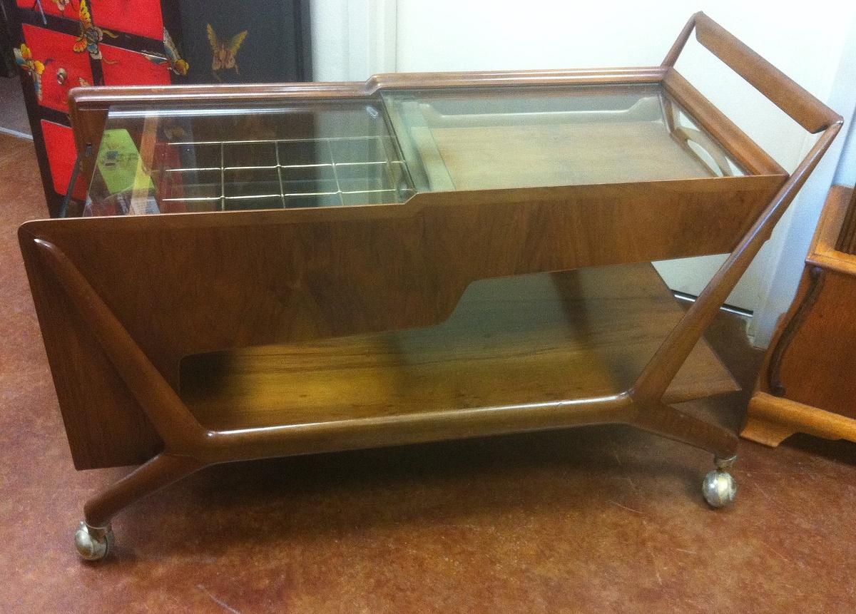 italian mid century bar cart mystery item collectors weekly. Black Bedroom Furniture Sets. Home Design Ideas
