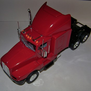 Keep On Truckin' - Model Cars