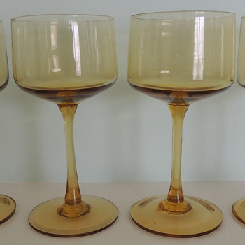 Set of 8 Crystal Wine Glasses - Glass/Crystal Experts - Glassware