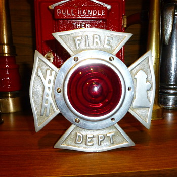 Early Fire Dept. Flashing Light