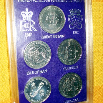1972-the royal silver wedding  5 crowns coin set. - World Coins