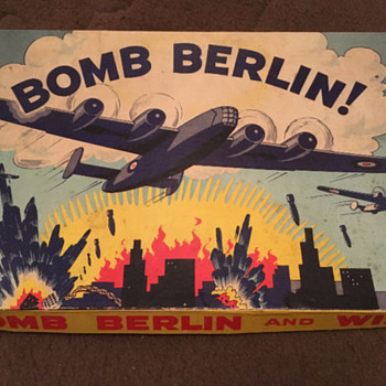 Bomb Berlin! Board Game - Games