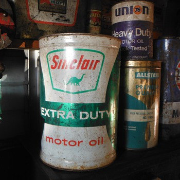 New sinclair 5 qt can & misc. garage