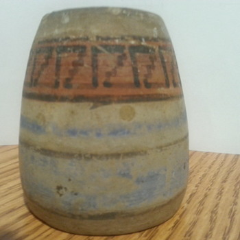 very small native american pottery?What is it