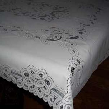 WHITE BATTENBURG LACE TABLECLOTH TABLE ACCENT DECOR RECTANGLE 52-inches by 70-inches