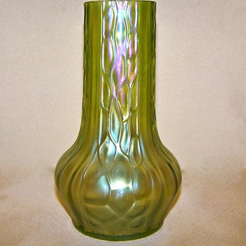 Nouveau Kralik Honeycomb Panel Green/Amethyst Iridescent Vase - Art Glass