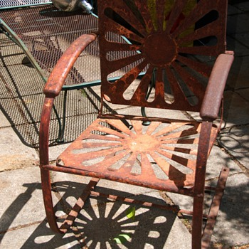 Old Iron Outdoor Chair - a bouncy one