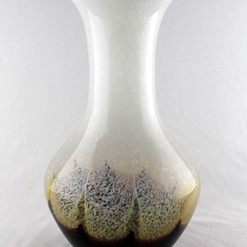 Iwatsu Art Glass speckled vase - Art Glass