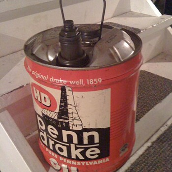 5 Gal Penn Drake motor oil can - Petroliana