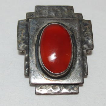 Arts and Crafts / Art Deco Hammered Silver and Cabochon Carnelian Brooch - Fine Jewelry