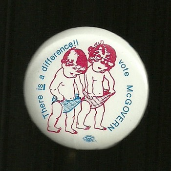 Uncommon 1972 McGovern pinback button - Medals Pins and Badges