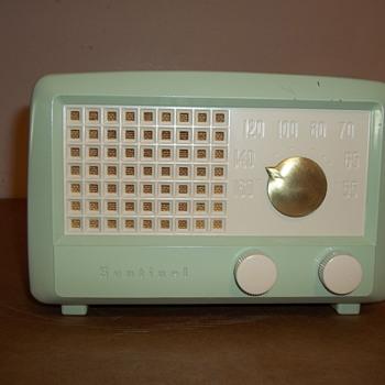 Sentinel model 328 - Radios
