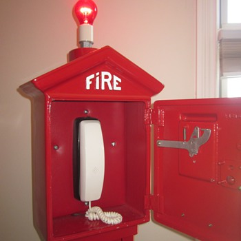 Antique fire alarm call box w/phone
