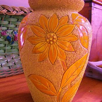 Sand Majolica Vase Mystery - Art Pottery