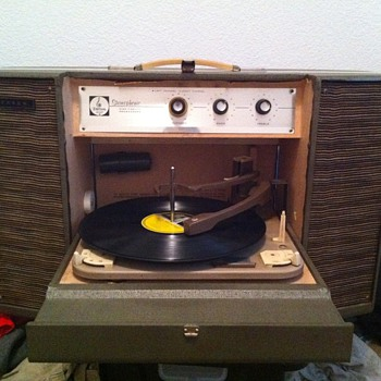 1962-63 emerson stereophonic phonograph (model P-1920) - Records