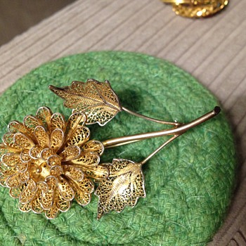 Gold Filagree? Floral Pin - Fine Jewelry