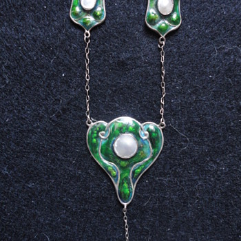 British Art Nouveau enamel silver necklace by GV&Co, c. 1910