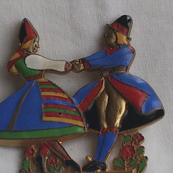 Folklore brass enamel brooch Dalarna  - Costume Jewelry