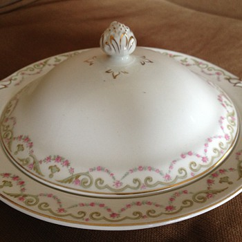 Grandma's china - China and Dinnerware