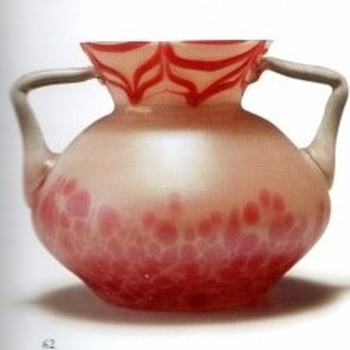 PALLME KONIG  TWO-HANDLED VASE - Art Glass
