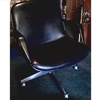 """Steelcase"" Executive Swivel Chair/ Charles Pollock -Knoll Design / Circa 1976  - Furniture"