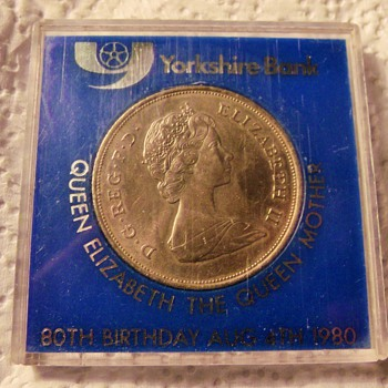 Uncirculated 1980 80th Birthday Coin  Queen Elizabeth