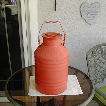 SHELL 5 GALLON OIL CAN
