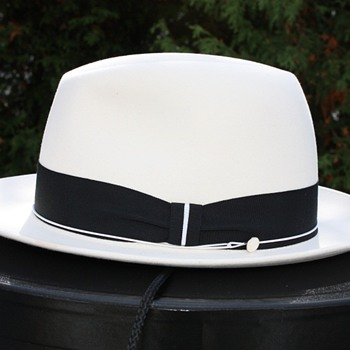 Optimo 1000. Porcelain White. - Hats