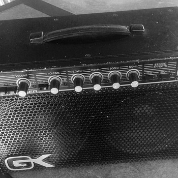 Gallien Krueger Amp 250ML - Electronics