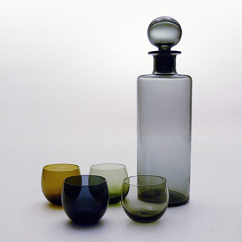 SAARA decanter and MAARI glases, Sara Hopea (Nuutajrvi Notsj) - Art Glass