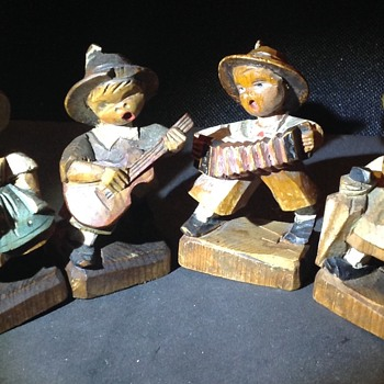 Vintage ANRI singing children figures