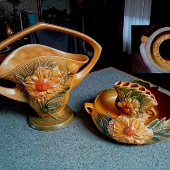 "Salvation Army ""Roseville"" Haul / ""Peony"" Basket #379 & Console Bowl #429 With Flower Arranger #47/Circa 1942 - Art Pottery"