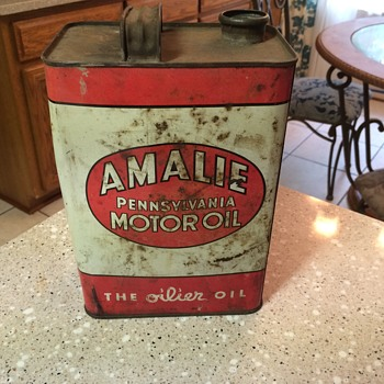 1952 AMALIE MOTOR OIL can