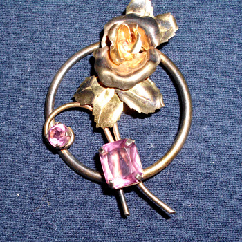 Art Deco Rose Brooch with Garnets or Amethysts late 20's or early 30's - Art Deco