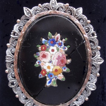 Micro Mosaic flower pendant brooch set in wonderful gold and silver with little rose cut diamonds. - Fine Jewelry