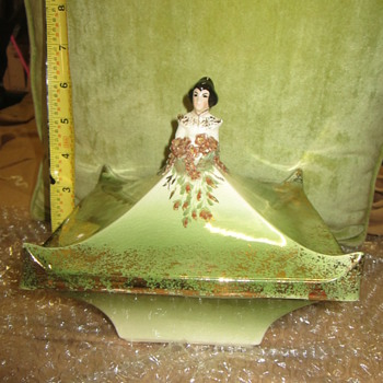 California? Pottery Art Beautiful Woman Figural Trinket Candy Dish  - Pottery