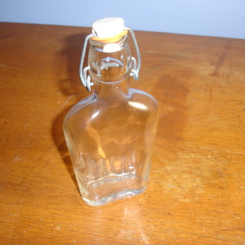 ANTIQUE MYSTERY Glass bottle