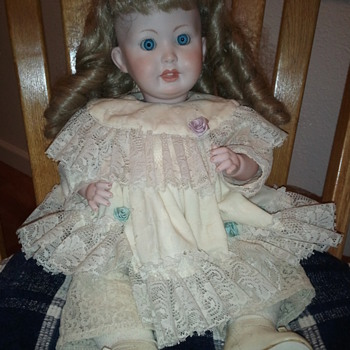 German Bisque Doll - Info appreciated - Dolls
