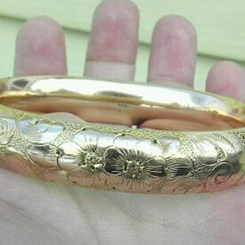 Victorian? Gold plated/filled? A.C.Co hinged bracelet