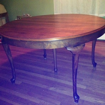 Antique 5 leg Dining table - Furniture