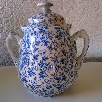 1884 Wedgwood Sugar Pot Thrift Shop Find $2.95