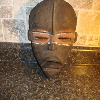 AFRICAN DEATH MASK  HOW OLD? AUTHENTIC? - Visual Art