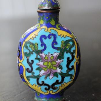 Qianlong Cloisonne Snuff Bottle